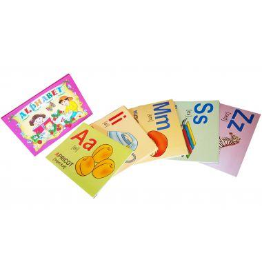 Набор из 26 букв английского алфавита на картоне